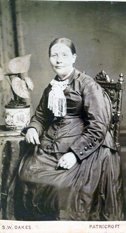 My Great Grandmother - Harriet Edwards (nee Newton) - Manchester, England abt.1900