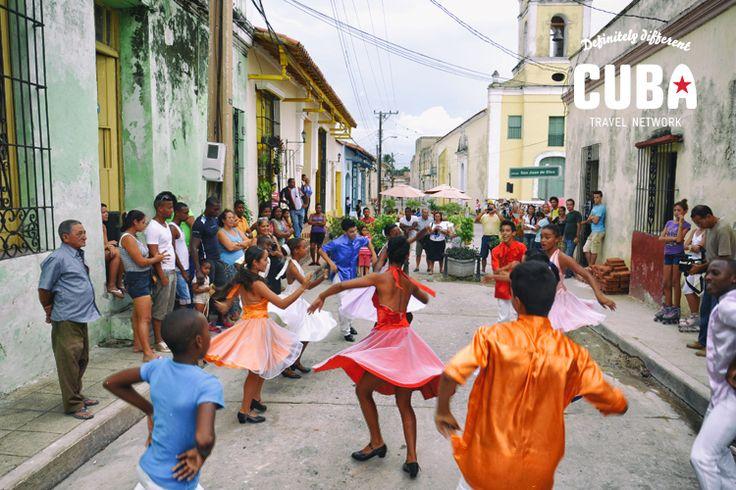 Learn salsa dancing while traveling through Cuba!