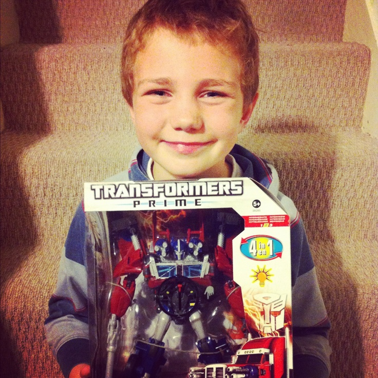 Mama OWL: Transformers Optimus Prime TRA Weaponizer Review