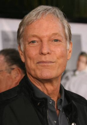 Richard Chamberlain.  I've had the biggest crush on him ever since The Thorn Birds....Oh, he's an awesome actor.