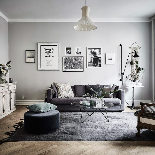 Wonderful living room in the home of Johanna Bradford for sale via Entrance Mäkleri. Picture by Anders Bergstedt #interiordesign #livingroom