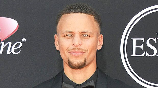 Steph Curry Rocking Dreadlocks? Check Out His New Look https://tmbw.news/steph-curry-rocking-dreadlocks-check-out-his-new-look  Steph Curry looks like he's trying to grow out some dreadlocks! Are you into his new sexy off-season hair?Steph Curry has got his off season hair going and we're into it! The Golden State Warriors champ has been sporting a new look and it seemed like he's trying to grow some dreadlocks. You could see the start of it when Steph stepped out on the 2017 ESPYs red…