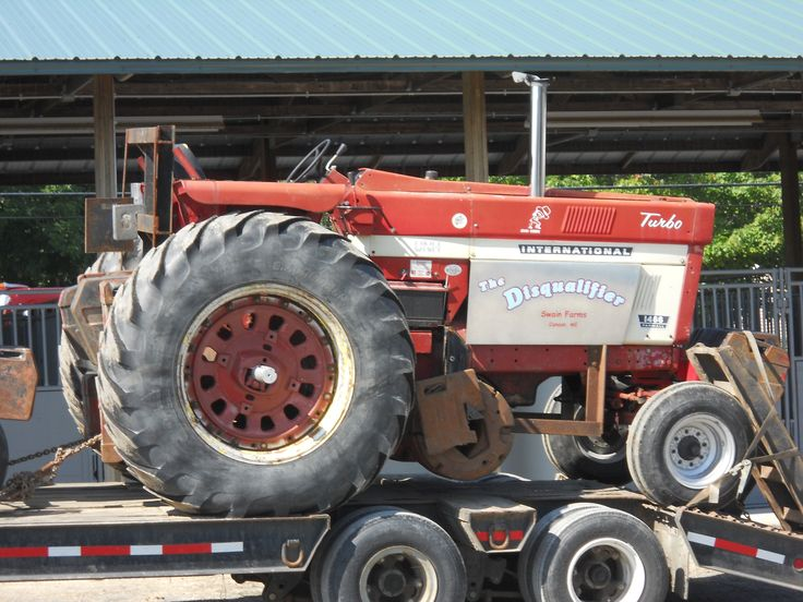 International 1466 Pulling Tractor : Images about tractor s on pinterest john deere