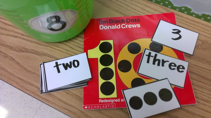 math centers!!: Center Ideas, New Week, Math Centers, Math Ideas, Literacy Center, Black Dots, 10 Black, Teaching Numbers, Kindergarten Math Center