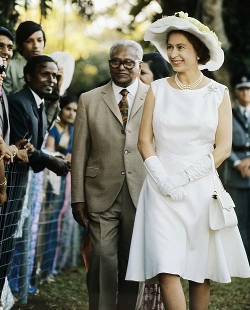 Queen Elizabeth II with Sir Seewoosagur Ramgoolam during her visit in Mauritius (24-26 March 1972)