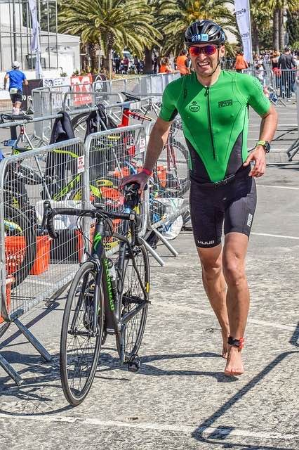 Triathlon Clothing: What to Wear in a Triathlon February 4, 2018/inTri Suits & Gear/byGazTriMan The first thing you notice at any Triathlon is the vast array of gear people are wearing. Some very simple, some very bright and some downright mad looking. My first triathlon kit was the most basic I could find as I …