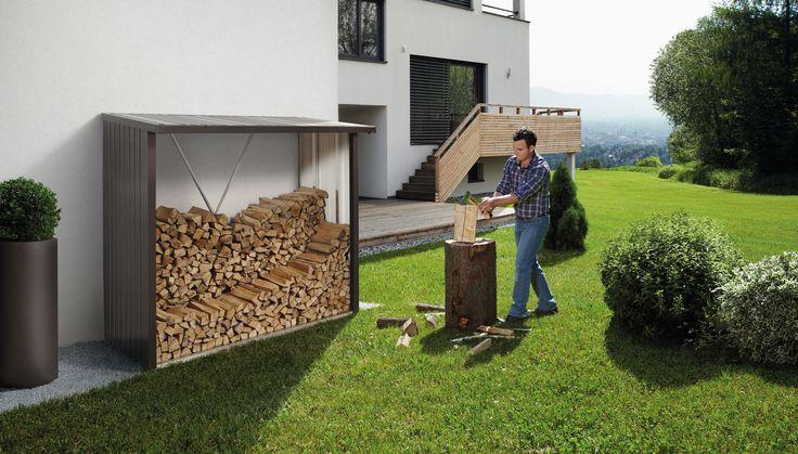 Kaminholzlager und Geräteschrank in einem Ein eigener Kamin schafft eine gemütliche Atmosphäre und sorgt für wohlige Wärme an kalten Tagen. Wohin aber mit dem Kaminholz? Der WoodStock® löst diese Frage auf saubere und dauerhafte Weise. Im Sommer bietet er viel Platz für Ihre Gartenmöbel und -geräte. Besonders praktisch erweist sich die Möglichkeit zum Anbau an die Hauswand.