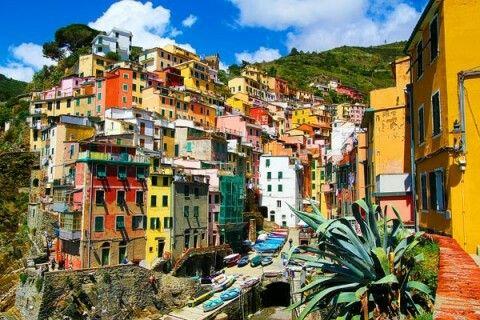 Riomaggiore - Cinque Terre http://www.kevinandamanda.com/whatsnew/?attachment_id=11949&m