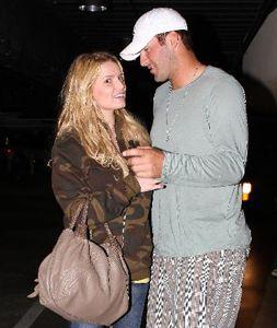 Jessica Simpson & Tony Romo Kissing Compilation @ www.wikilove.com