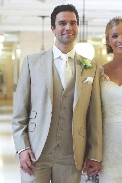 2017 Latest Coat Pant Design Beige Men Wedding Suits Prom Tuxedo Slim Fit 3 Piece Groom Style Suit Custom Blazer Terno Masuclino