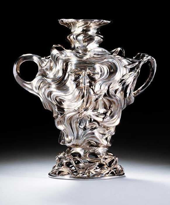 Самовар, за который несколько лет назад на Sotheby's торги велись от 80 до 120 тысяч английских фунтов.