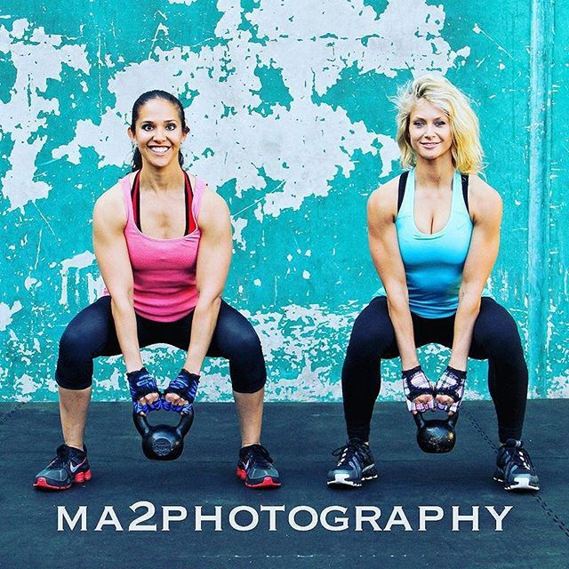    #TBT = Shoot with @revupyourlife_re by @ma2photography back where it all started at the #Mecca #goldsgym Venice    ・・・ You know the wall w G-Loves #ma2photography #ma2muscleart  #youknowthewall #goldsgymvenice #throwbackthursday #golds #gym #Hedda #Renae #G-Loves #kettlebell #gohardorgohome #discipline #lift #liftinggloves #girlswholift #hardwork #swings #liftinggloves #crossfit #workout#fitness