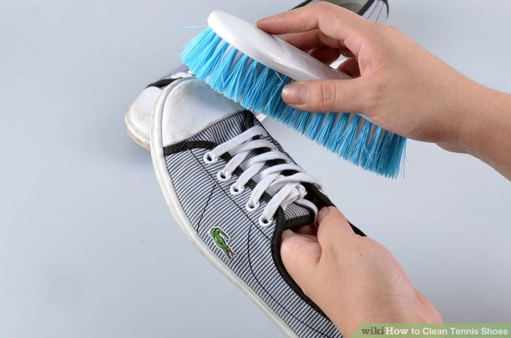 Image titled Clean Tennis Shoes Step 1