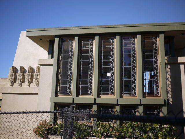イーストハリウッドにある建築家フランク・ロイド・ライトのホリホックハウス   ロサンゼルス  Los Angeles Architecture California Hollyhock House Frank Lloyd Wright