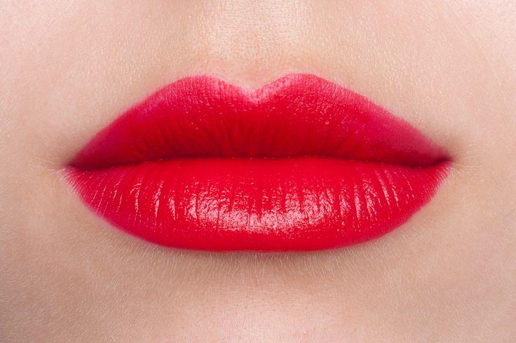 Красный блеск для губ L'Oreal 402 — Forgive My Sin (матовый)