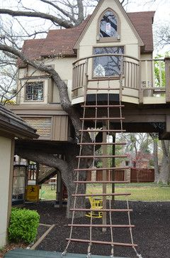 Elaborate tree house and rope ladder - photo by Sarah Greenman