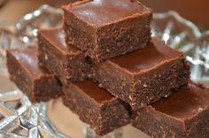 Kakao-Chia-Stückchen (vegan, glutenfrei, vollwertig und roh)