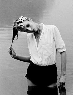 """Klassiker der Modefotografie - Ute Mahler Ausstellung """"Weißes Wasser"""" in der Galerie für moderne Fotografie"""