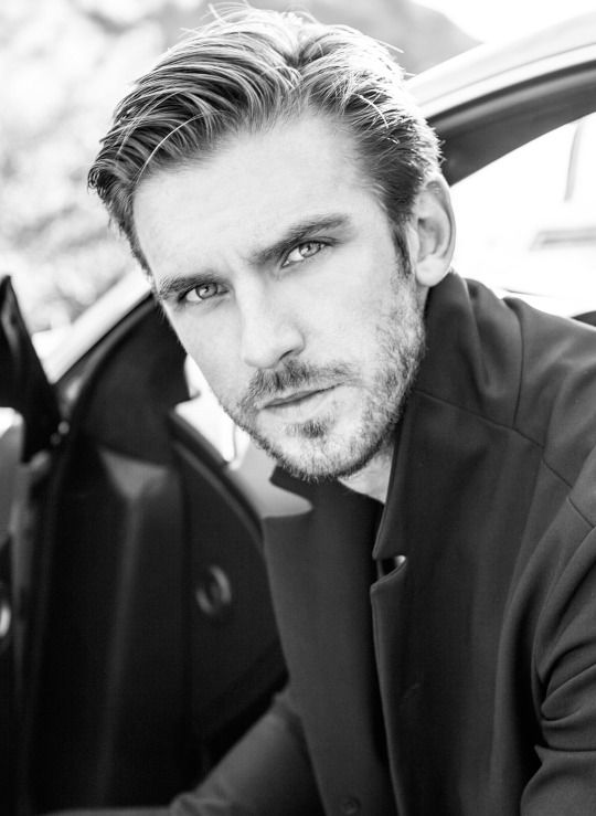Dan Stevens: does it get any better than this? Piercing gaze looking into my soul #bae #flawless