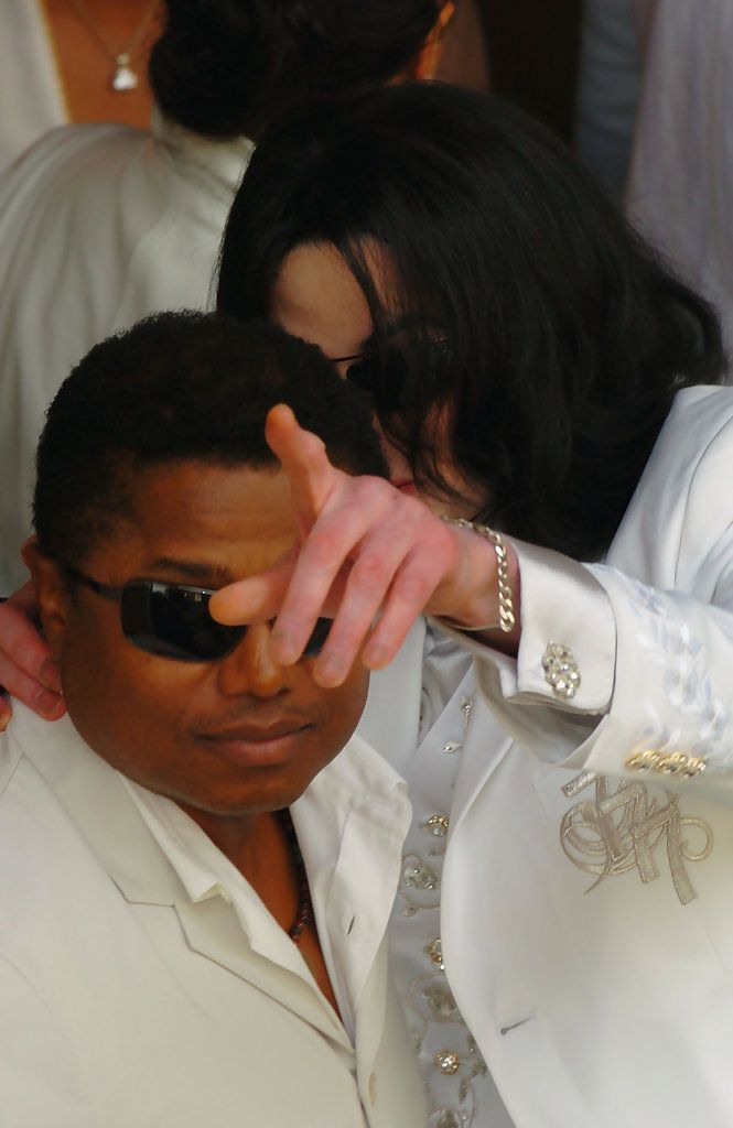 R. Kelly, Michael Jackson and the Lingering Questions ...