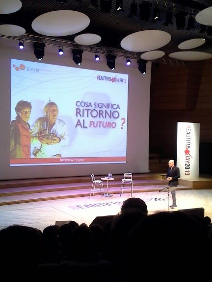 """Livio Sgarbi introduce la giornata e spiega il significato di """"Ritorno al futuro"""""""