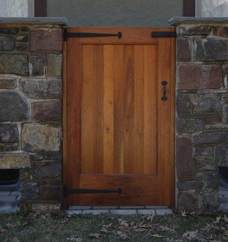 18 best side gate door images on pinterest side gates for Door to gate kontakt