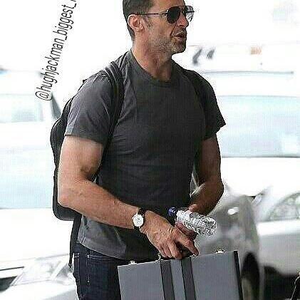 Hugh Jackman at Airport ✈ #thehughjackman #hughjackman #actor #hollywood #australian #sexiestmanalive #musical #dancer #singer #talent #famous #unbeatable #beautiful #goodlooking #cool #warmhearted #friendly #attractive #airport #sunglasses #fashion #travel #muscles #stylishman
