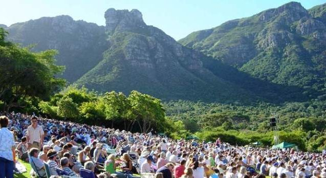 Kirstenbosch Carols by Candlelight    Sing along to popular Christmas songs at Cape Town's historic gardens this December  http://www.capetownmagazine.com/events/kirstenbosch-carols-by-candlelight/11_37_53789