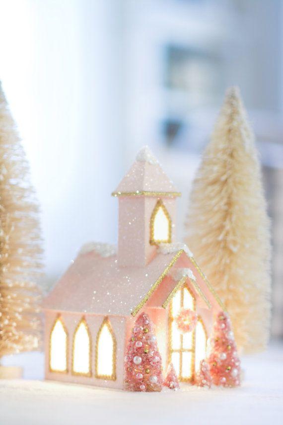 Pink Christmas Kapelle, rosa Putz Haus Glitzer Putz, Weihnachts-Dekor, Weihnachtsdorf
