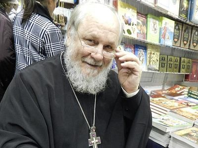 «Православным реалистом» называет себя отец Николай Агафонов. О чуде в жизни и искусстве, духовном стержне литературы, храмах на воде и дороге, ведущей к вере, – беседа с ним, которую мы публикуем в день его 60-летия. Многая лета, отец Николай!