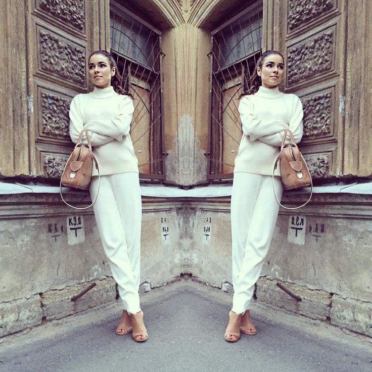 С приходом сентября звезды начали выкладывать в соцсети свои осенние наряды. В нашей подборке из Instagram —модные звездныеобразы первых дней осени!