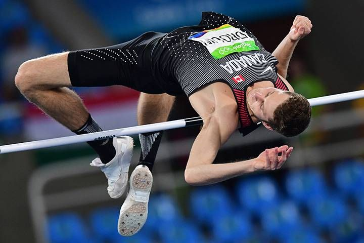 Derek Drouin, Kanada vann guldet i herrarnas höjdhopp 2.38, silver Mutaz Essa Barshin, Katar 2.36, brons Bohdan Bondarenko, Ukraina 2.33.