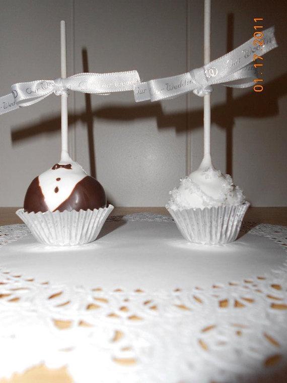 Wedding Cake Pops! Great Bridal Shower Favors !