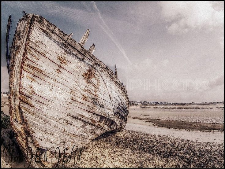 boat by prototype hautdiîc by ERIC VILLEY-et-Carine...ARTISTE PHOTOGRAPHE