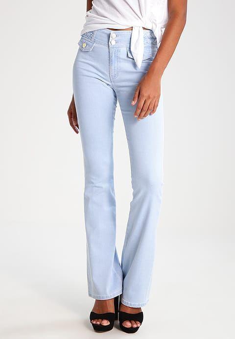 Vêtements LOIS Jeans DONNA - Jean flare - sky bleach denim décoloré: 140,00 € chez Zalando (au 20/04/17). Livraison et retours gratuits et service client gratuit au 0800 915 207.