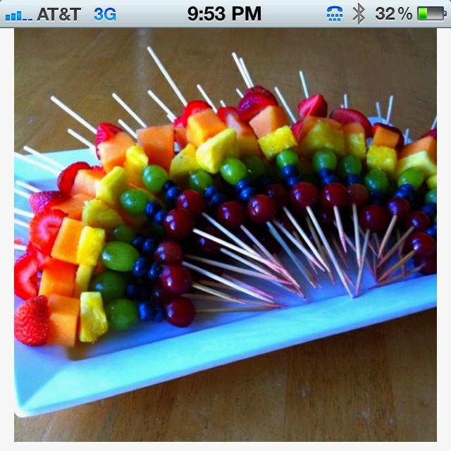 Regenboog fruitspiesjes