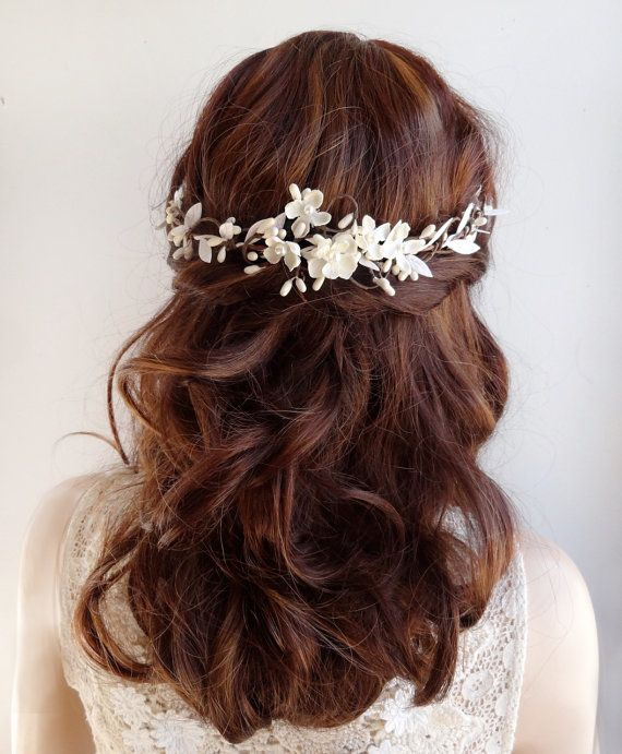 For a bride who wants a slightly more naturalistic/rustic hair vine!  This is a petite vine (wired inside), adorned with jasmine blossoms, satin
