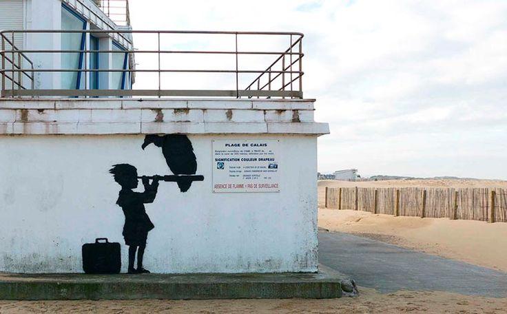 Banksy s'invite à Calais avec quatre nouvelles créations street art pour les migrants | Ufunk.net