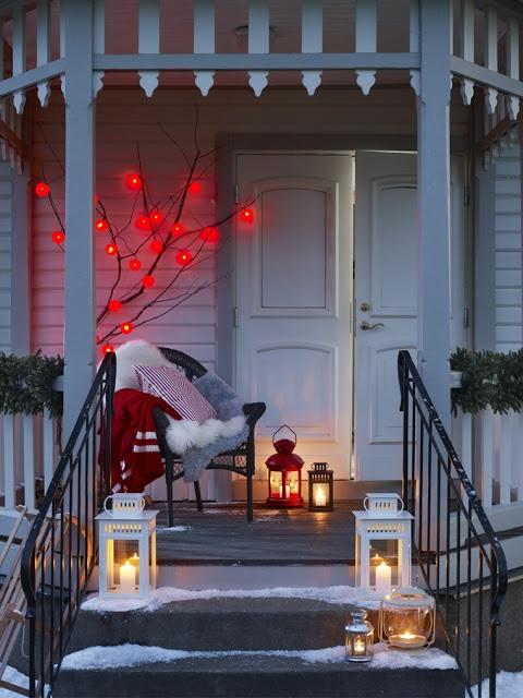 IKEA VUELVE A CASA POR NAVIDAD: Christmasdecor, Christmas Cards, Christmas Time, Idea, Front Doors, Red Christmas, Christmas Decor, Front Porches, Front Step