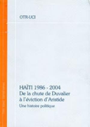"""""""Cet ouvrage a été écrit par l'OTR, l'Organisation des Travailleurs Révolutionnaires. C'est l'histoire politique des années 1986-2004 en Haïti, complétée par des textes de la période écrits par l'OTR et par des témoignages sur les événements et les conditions d'existence des travailleurs de la zone industrielle de la capitale haïtienne. La description de cette période récente est précédée par une introduction relatant l'histoire d'Haïti qui résume en effet celle du capitalisme."""""""
