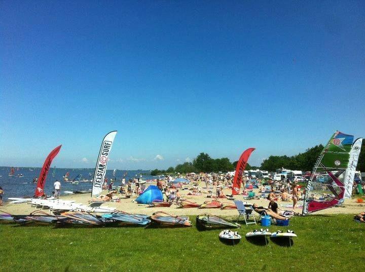 Een waanzinnige zomersedag op strand Horst