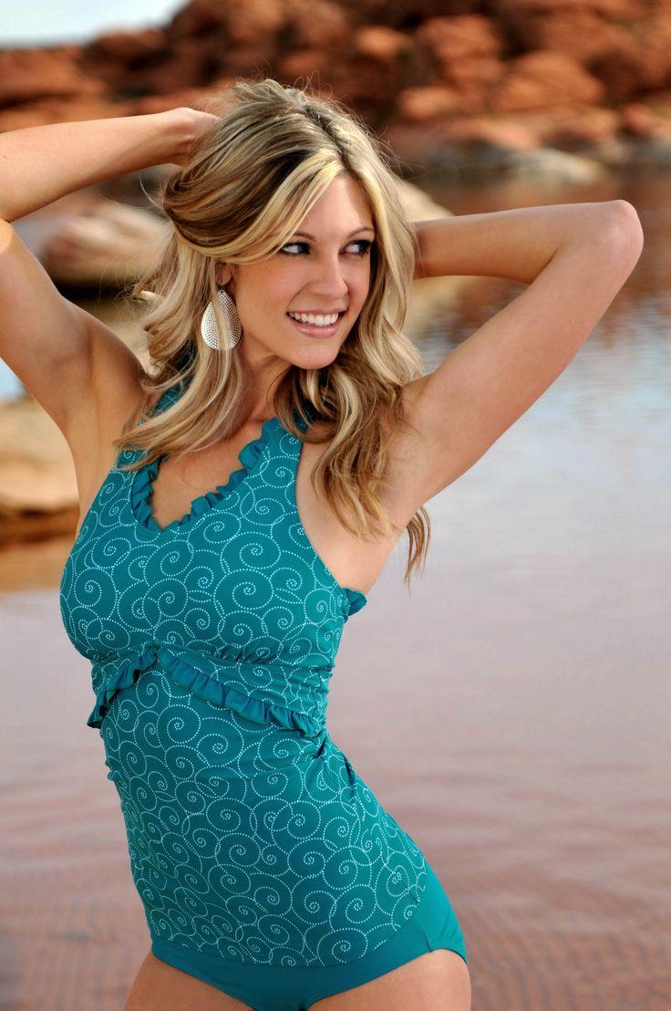lebanese topless model photos