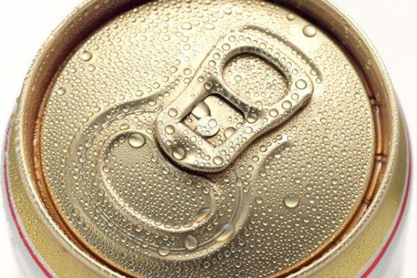 Por qué preferir una cerveza en lata que en botella | Informe21.com