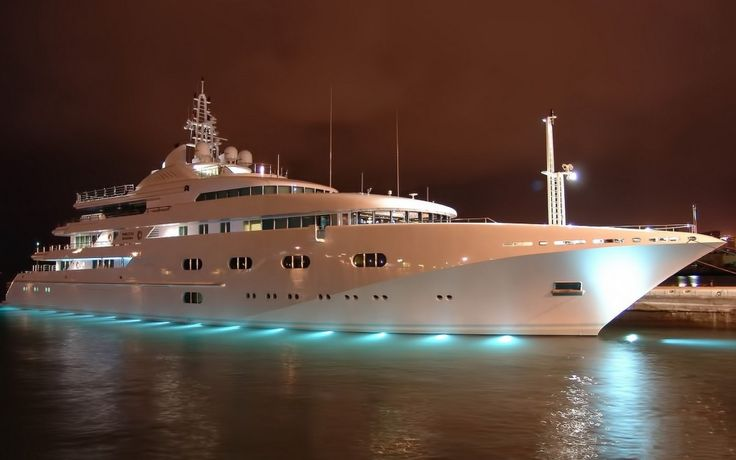 lavorare sugli yacht di lusso