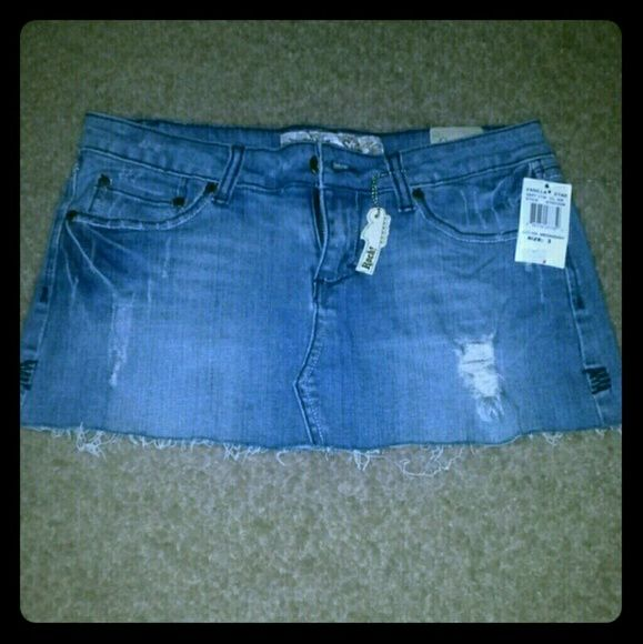 Vanilla Star Distressed Jean Skirt Size 3 NWT Short & sexy distressed denim skirt from Vanilla Star size 3, still new with tags. I give great discounts (the more you buy, the more you save)!!! vanilla star Jeans