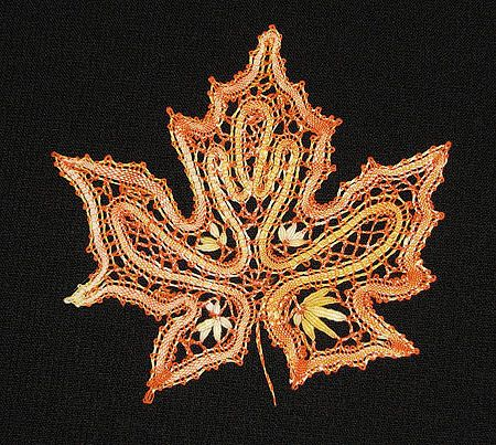 Bobbin lace maple leaf