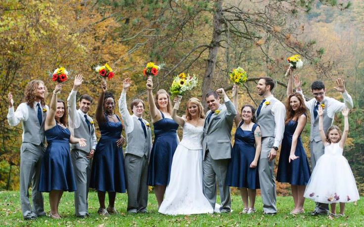 A perfect fall wedding for Navy dress for fall wedding