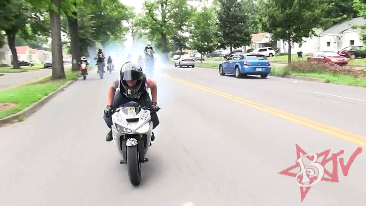I wanna hangout with and be friends with bikers like these dudes. Street Bike Stunts RIDERS ARE FAMILY 2013 Motorcycle Drifting Stunt Bike Highway Wheelies Combo's