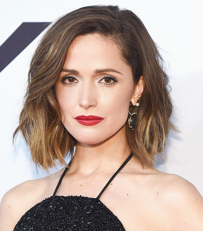 Rose Byrne's bob with gentle waves