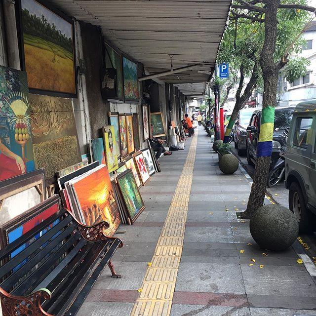Jalan Braga Adalah Nama Sebuah Jalan Utama Di Kota Bandung